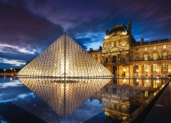 France-Paris-Louvre-Museum-pyramid-night-water-lights_1600x1200_wallpaper